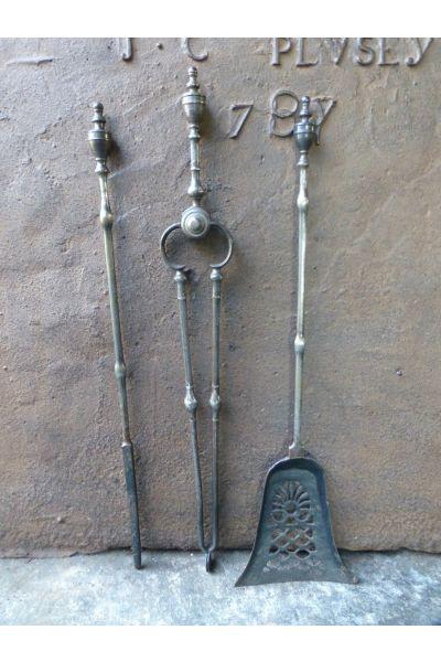 Antikes Englisches Kaminbesteck aus 15
