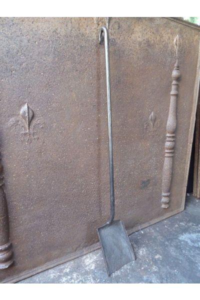 Gotische Kaminschaufel aus 15