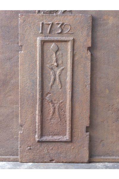 Kaminplatte 'Wappen' aus 14
