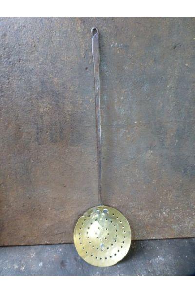 Antiker Schaumlöffel aus 15,16