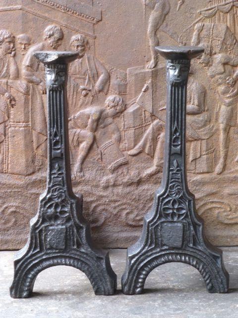 Gotische Kaminböcke