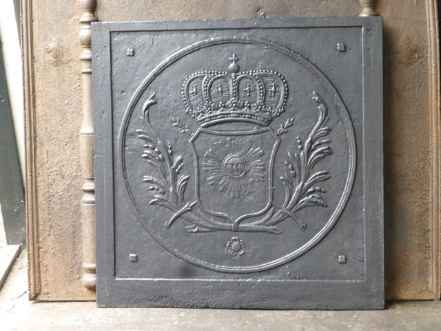 Kaminplatte in einem eklektischen Stil